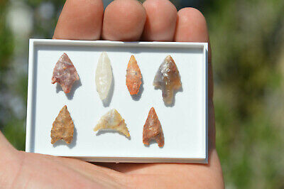 7x ANCIENT, STONE AGE ARROWHEAD NEOLITHIC 6000 years old!! COLLECTION IN BOX