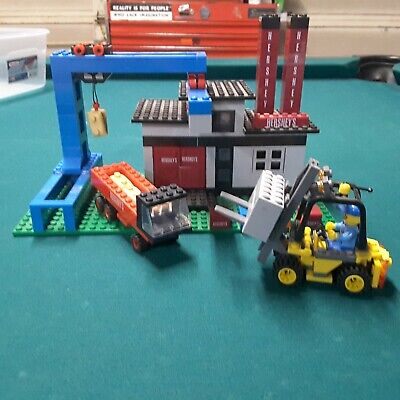 Hershey chocolate factory shipping and delivery set Lego compatible rare HTF