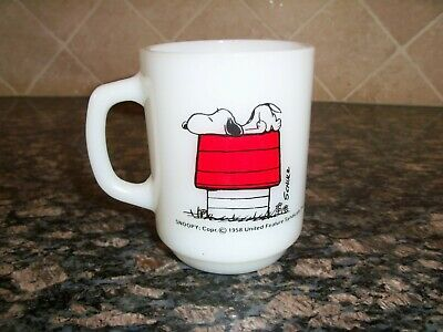 Vtg Peanuts Snoopy Anchor Hocking Fire King Coffee Cup Mug Red Dog House Alergic