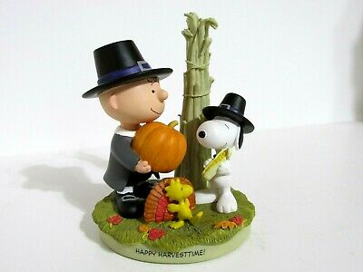 Snoopy Peanuts Charlie Brown Hallmark Gallery Figure Figurine 2002