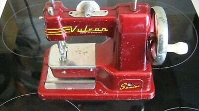 Rare VULCAN Senior vintage toy sewing machine from the 1950's All oiled up GC