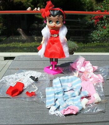 Vintage Betty Boop Fashion Doll M-Toy 1986 Marty Toy 3 outfits accessories stand