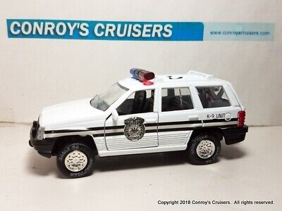 3 INCH Jeep Grand Cherokee 1995 Road Champs 1//64 Diecast Mint Loose