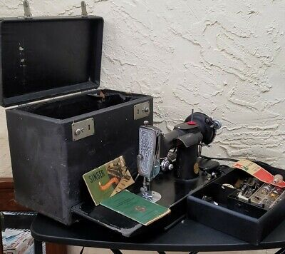 1937 Singer Featherweight Sewing Machine 221-1 W/case And Accessories.NO RETURNS