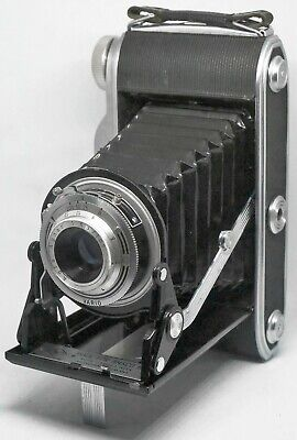Ansco Viking 6.3 (Agfa Manufacture) type 120 wide format (VG) works well