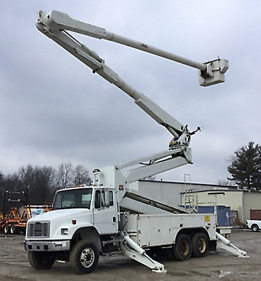 02 Freightliner 105' Bucket truck Boom Double Elevator Over-Center Utility