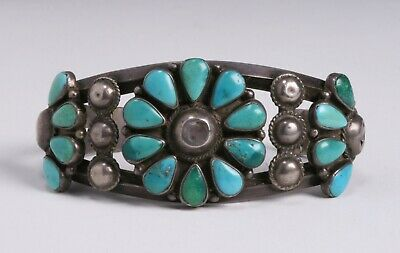 Early Zuni Pueblo Turquoise & Silver Cuff Bracelet - Native American 1940's