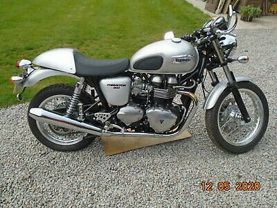 Triumph Thruxton 900 With Only 1000 Miles