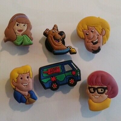 6pc Scooby Doo GANG Mystery Machine SHOE CHARMS LOT CROC SHOES JIBBITZ BRACELETS
