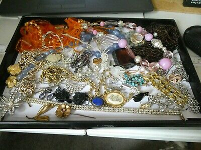 Good Lot Of  Mixed Costume Jewellery Ready To Wear Or Resale