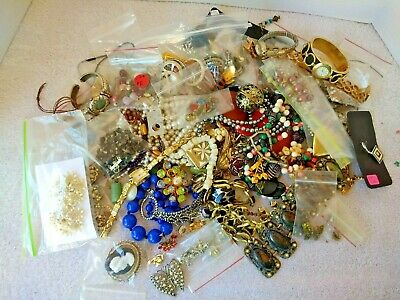 4# Lot Jewelry Vintage & Modern Junk Craft  Brooch Necklace Earrings Watches