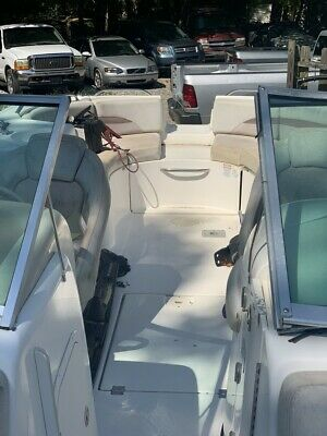 2005 Chaparral Sunesta 274    Only 121 Hours   Brand  New Upholstery!!!
