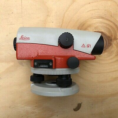 Leica NA720 Level with Case