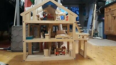 Plantoys Georgeous Wooden Dolls House