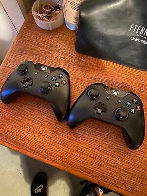 2x Microsoft Xbox One Wireless Controllers - Black *Read Description*