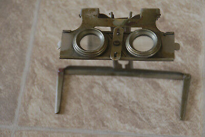 Vintage viewer for stereoscopic images