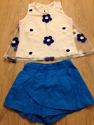 Girl 4-5  Cute Top & Shorts Set Blue And White Flowers VGC Sz 110