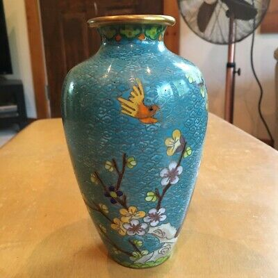 Vintage Chinese Cloisonne Vase, stunning blue, very good free shipping