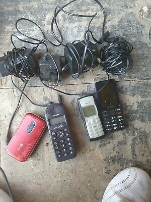 Joblot Of Vintage Mobile Phones and chargers