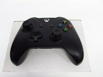 (Used) Microsoft Wireless Controller Black for Xbox One Model 1537 - Free P&P