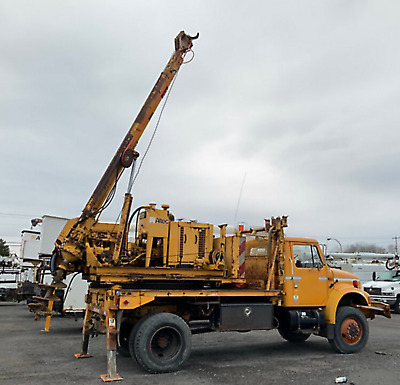 1994 IHC 4800 4X4 14' Kelly Bar Pressure digger Vertical drill Auger Truck