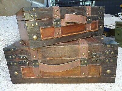2 x Vintage wooden display box