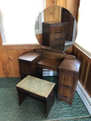 Art Deco Huntingburg Bedroom Set