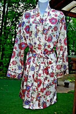 Kathryn Floral Multi Color Print Polyester Short Robe w/ Attached Belt Med