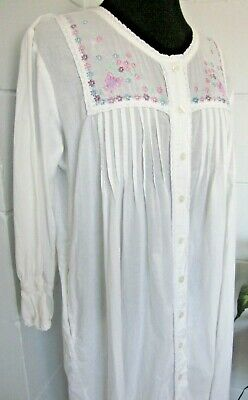 Women Small White Cotton Embroidered Nightgown Vermont County Store Button Front