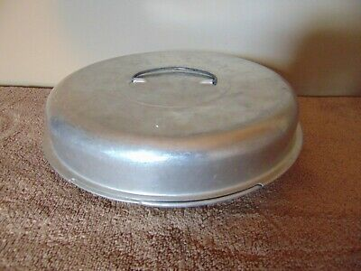 Vintage Aluminum Pie Plate with Screw on Lid