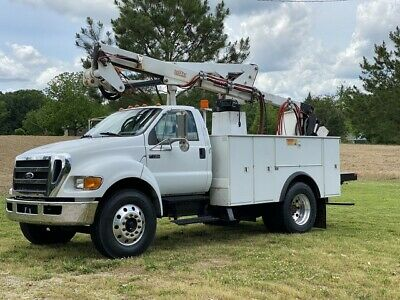 2007 Ford F750   46' Articulating Bucket Cat Diesel Allison Auto