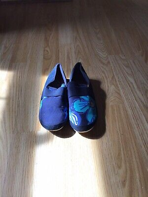 River Island Boys Limited Edition Navy Blue espdrilles Size 3