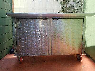 Stainless Steel Portable Custom Bar and Cabinet