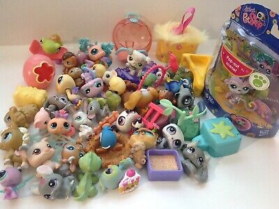 Littlest Pet Shop Lot 40 Pets Mixed Cat Dog Bunny Cases & Tons Of Accessories 8G
