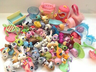 Littlest Pet Shop Lot 40 Pets Mixed Cat Dog Bunny Cases & Tons Of Accessories H6