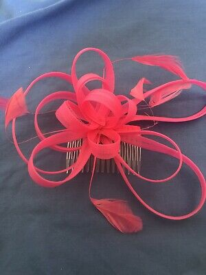 Hot Pink Fascinator Comb Wedding Prom Races Feathers