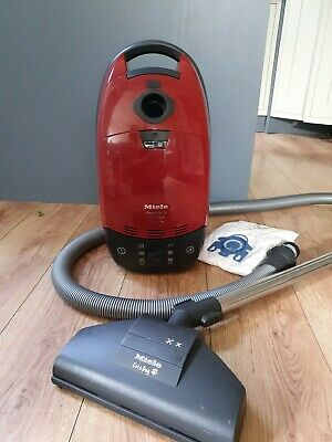 Miele Complete C1 Cat and Dog PowerLine Vacuum Cleaner 1600W