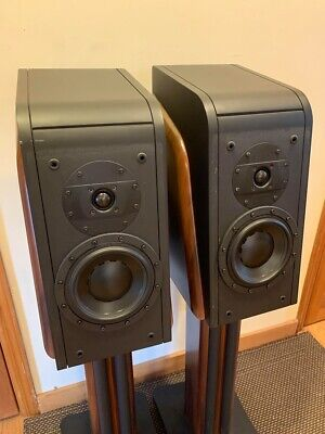 Swans D3.1 Stereo Speakers with Diva Stands