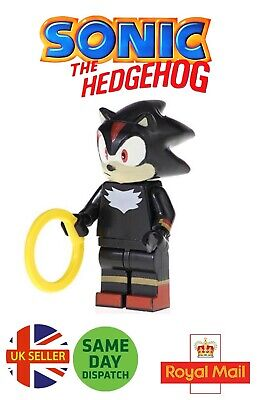 Sonic The Hedgehog Amy Mini Figure Pink Gold Ring Green Hill Zone UK Seller