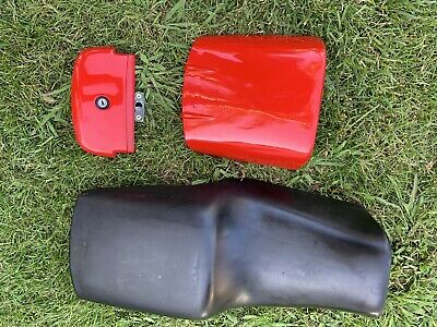 DUCATI MotorcycleSeat And Cowl  / Never Used Condition. / From 1995 900 SS SP