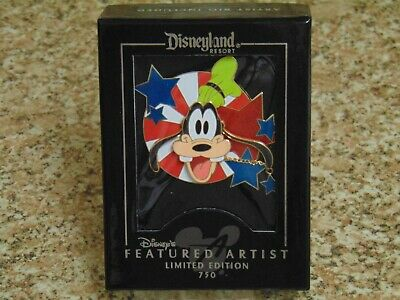 """DIsneyland Featured Artist Limited Edition Boxed Pin - GOOFY """"Super Star"""""""
