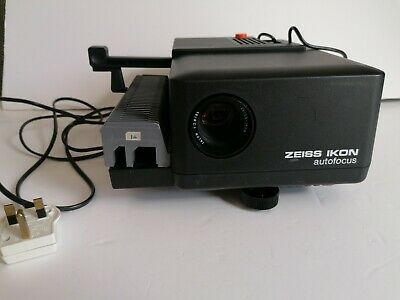 Zeiss Ikon Perkeo Compact Autofocus Slide Projector. Boxed, good Condition.