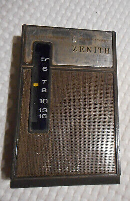 Collectible VinTaGe Zenith 8 Transistor ROYAL 15 RADIO Battery Operated WORKS