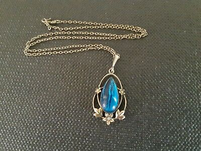 EDWARDIAN LAVALIERE 9ct LINED V25 STAMPED PENDANT WITH BLUE STONE AND CHAIN.