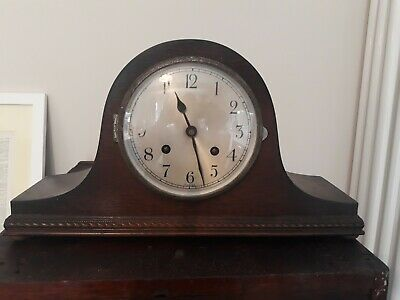 Vintage 1940's hearth clock with key