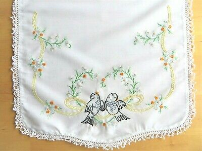 Linen with Floral Motif and Crochet Edging 12757 Embroidered Ecru Table Runner