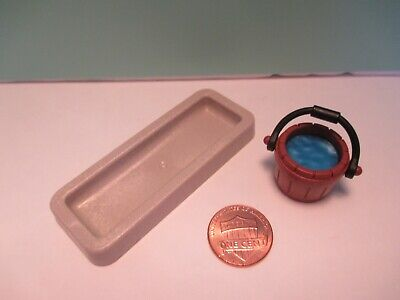BROWN BUCKET W// BLUE WATER Playmobil accessories LOW GRAY WATER TROUGH