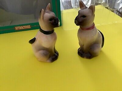 Magnetic  Noses Siamese Cat Salt & Pepper Shakers - NEW Box