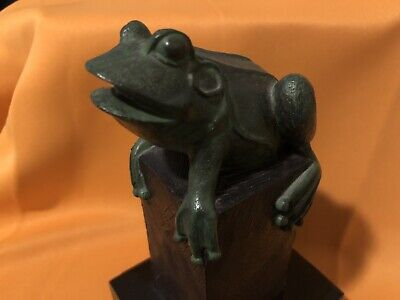 Frog Statue On Pedestal Stand