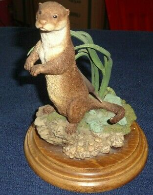 Country Artists Ca 498 Otter Standing